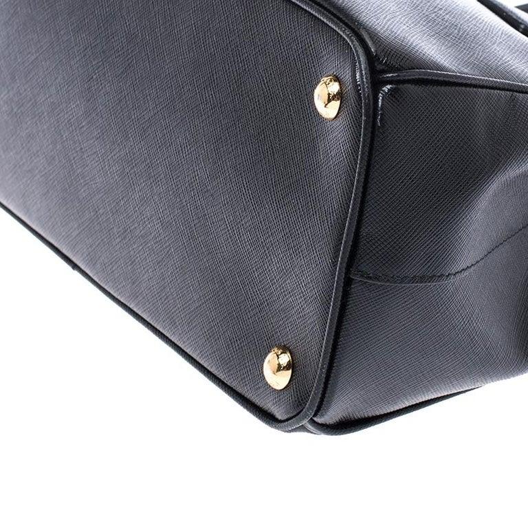 Prada Black Saffiano Lux Leather Small Double Zip Tote For Sale 4