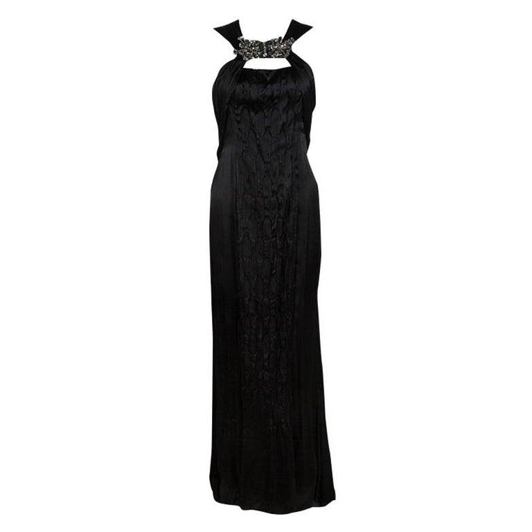 fc584635eb2a2 Schwarzer Ärmelloses Satin-Kleid von Prada mit Rüschendetails