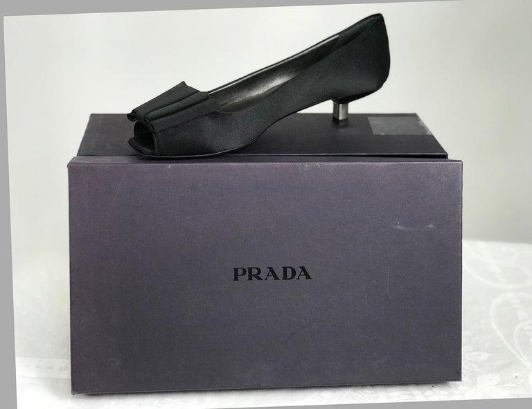 Prada Black Satin Open Toe Bow Front Low Silver Heel Pump 37 Unworn In Excellent Condition In West Palm Beach, FL