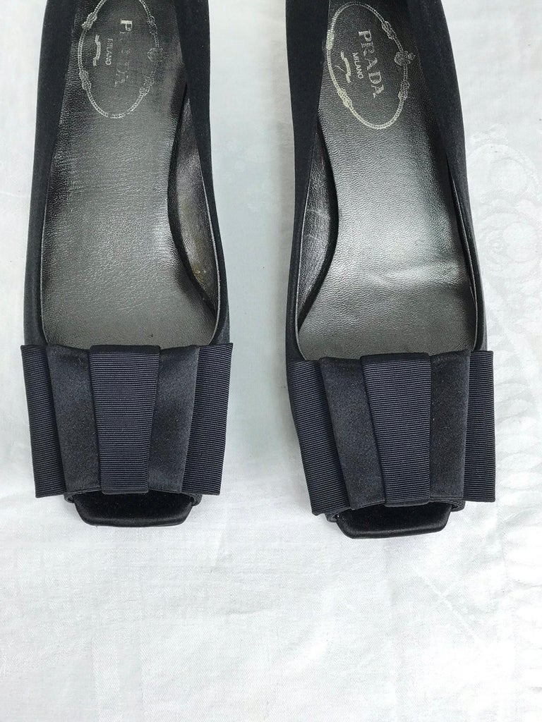 Women's Prada Black Satin Open Toe Bow Front Low Silver Heel Pump 37 Unworn