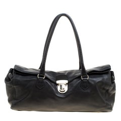 Schwarze Tasche aus weichem Leder von Prada