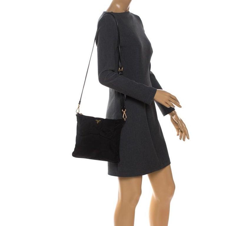 Prada Black Tessuto Nylon Crossbody Bag In Good Condition For Sale In Dubai, Al Qouz 2