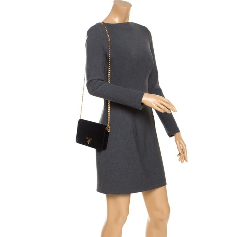 Prada Black Velvet Crossbody Bag In Good Condition For Sale In Dubai, Al Qouz 2