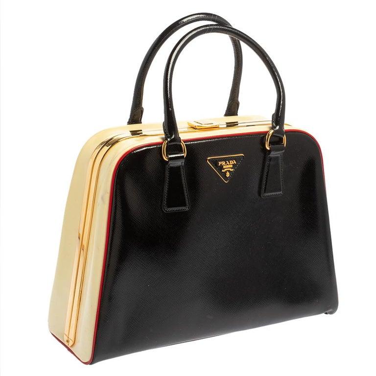 Prada Black/Yellow Saffiano Vernice Leather Pyramid Frame Satchel In Good Condition For Sale In Dubai, Al Qouz 2