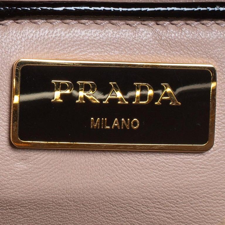 Prada Black/Yellow Saffiano Vernice Leather Pyramid Frame Satchel For Sale 3