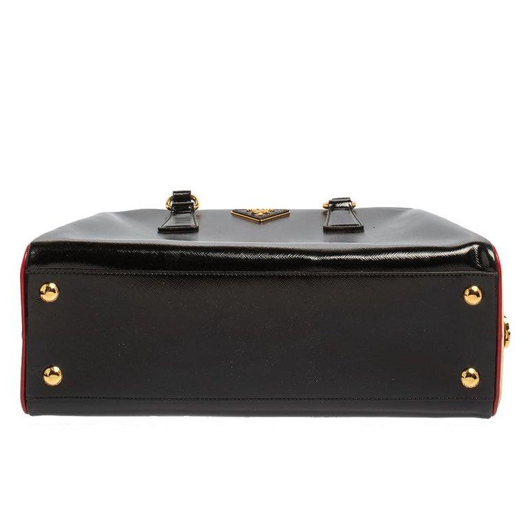 Prada Black/Yellow Saffiano Vernice Leather Pyramid Frame Satchel For Sale 4