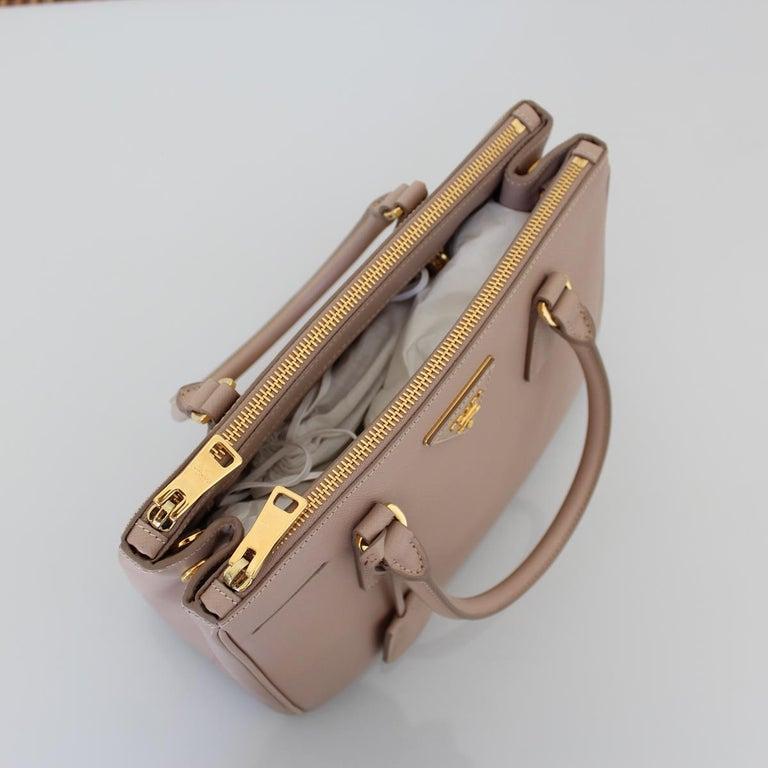 Women's Prada Blue Galleria Medium Bag For Sale