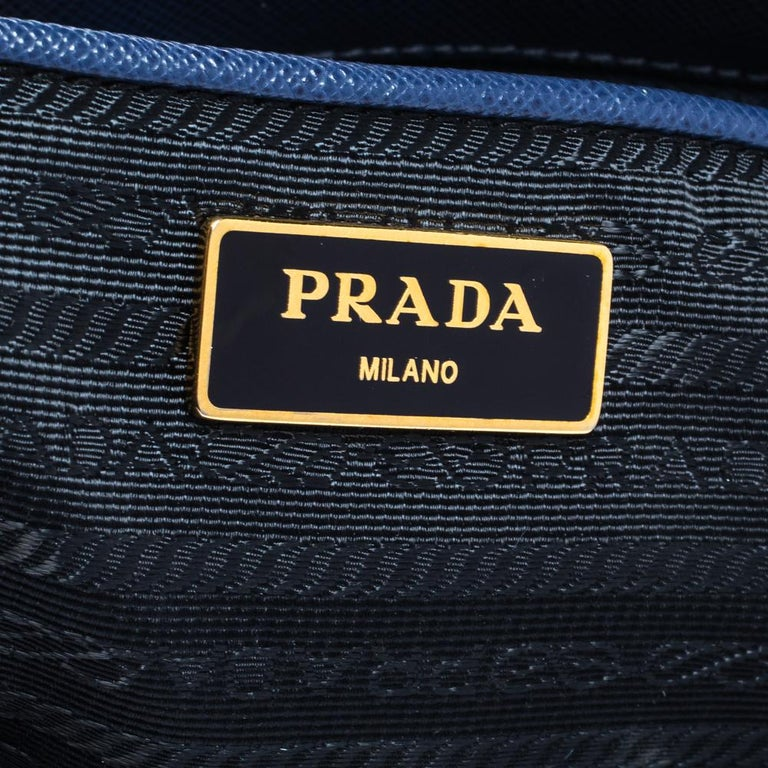 Prada Blue Saffiano Lux Leather Large Double Zip Tote For Sale 2