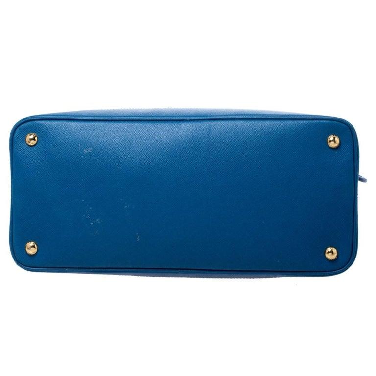 Prada Blue Saffiano Lux Leather Large Promenade Bag For Sale 1