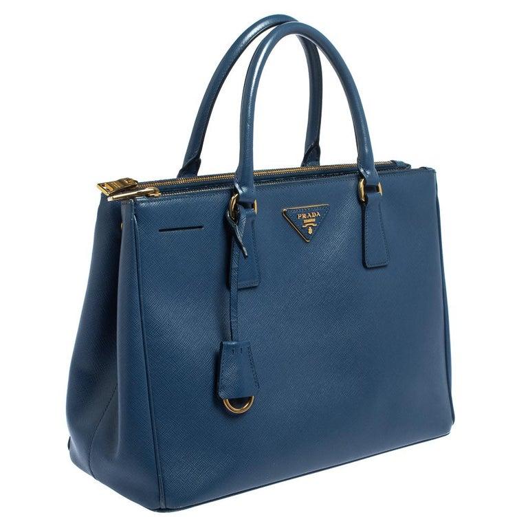 Prada Blue Saffiano Lux Leather Medium Galleria Double Zip Tote In Good Condition In Dubai, Al Qouz 2