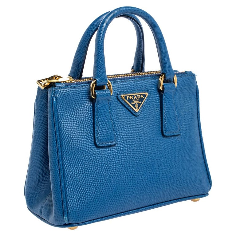 Prada Blue Saffiano Lux Leather Micro Double Zip Tote In Good Condition For Sale In Dubai, Al Qouz 2