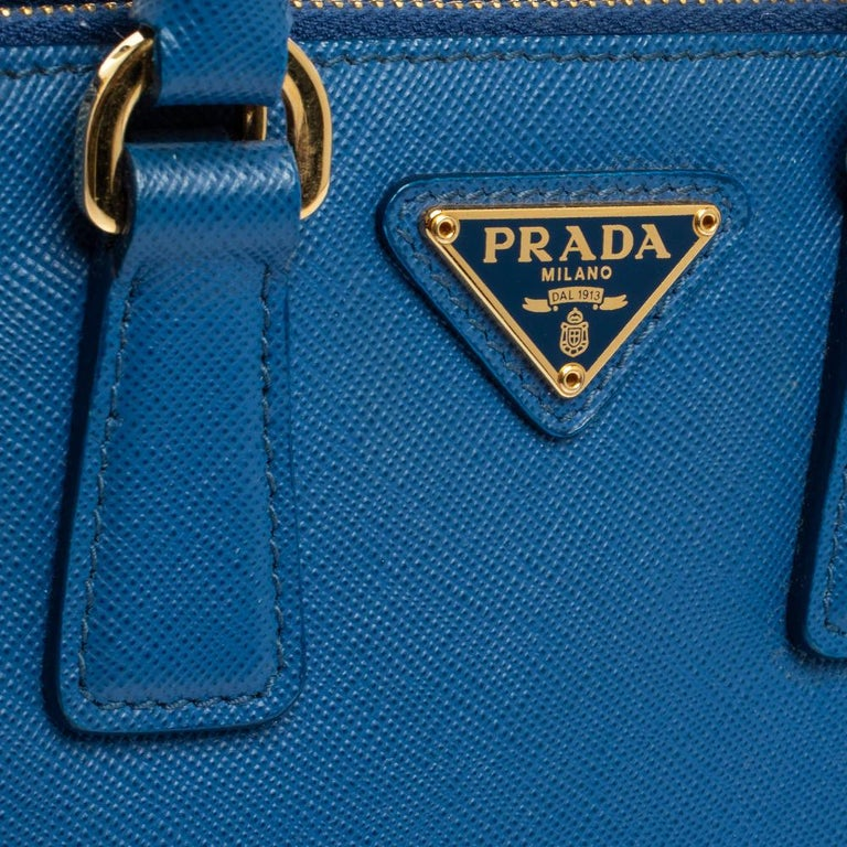 Women's Prada Blue Saffiano Lux Leather Micro Double Zip Tote For Sale