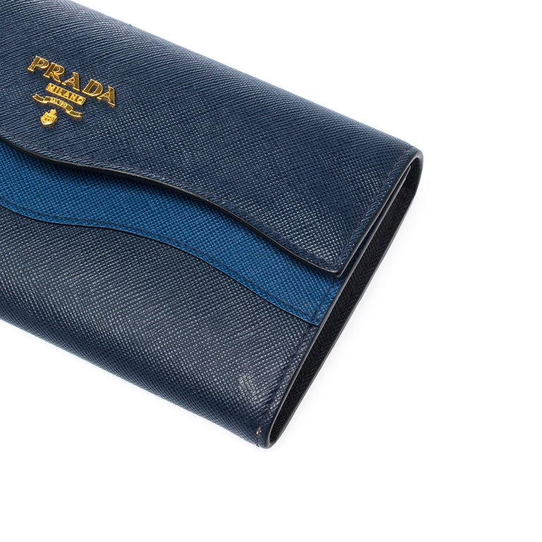 Prada Blue Saffiano Lux Leather Wave Continental Wallet For Sale 4