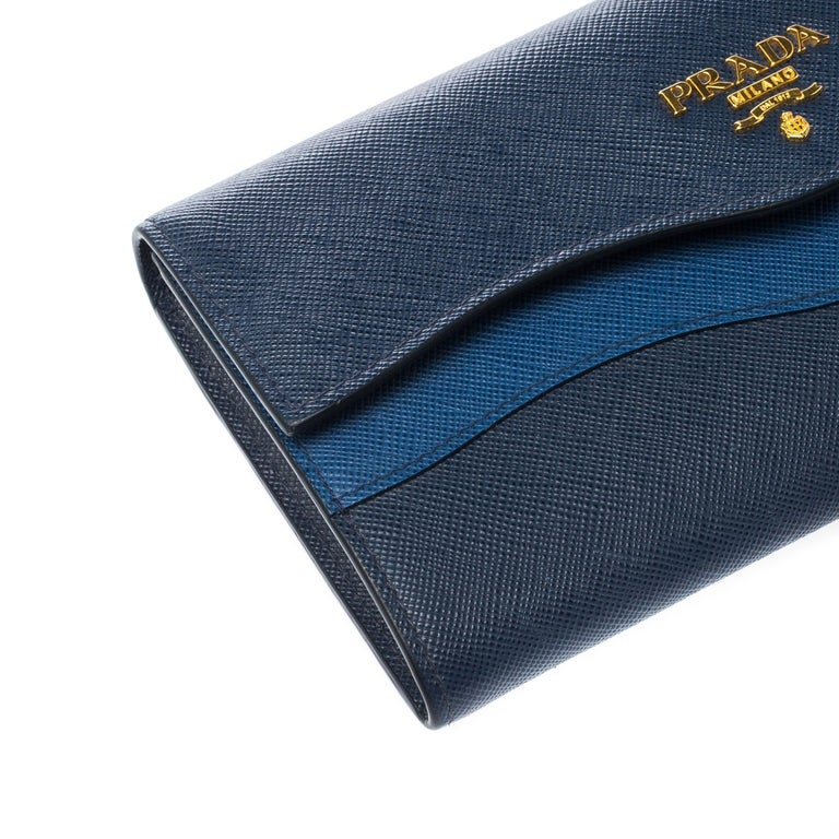 Prada Blue Saffiano Lux Leather Wave Continental Wallet For Sale 5