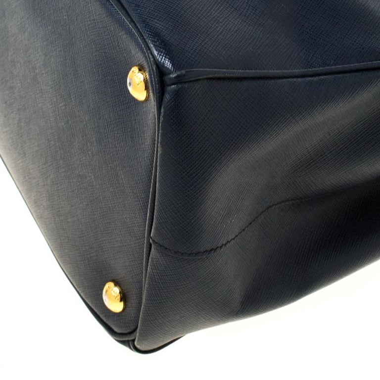 Prada Blue Two-Tone Saffiano Lux Leather Large Double Zip Tote For Sale 1