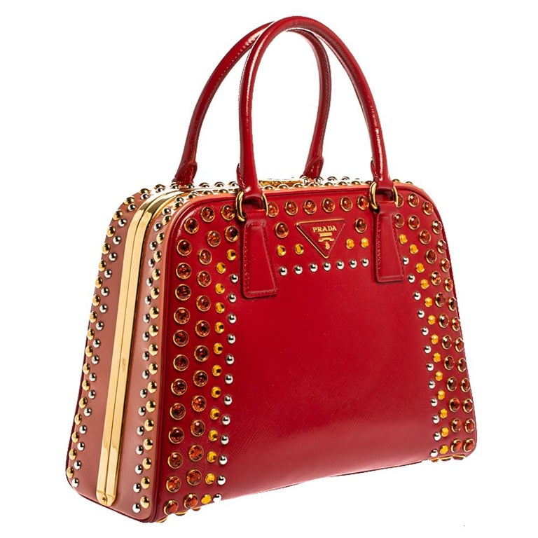 Prada Blush Pink/Red Patent Leather Pyramid Frame Bag In Good Condition In Dubai, Al Qouz 2