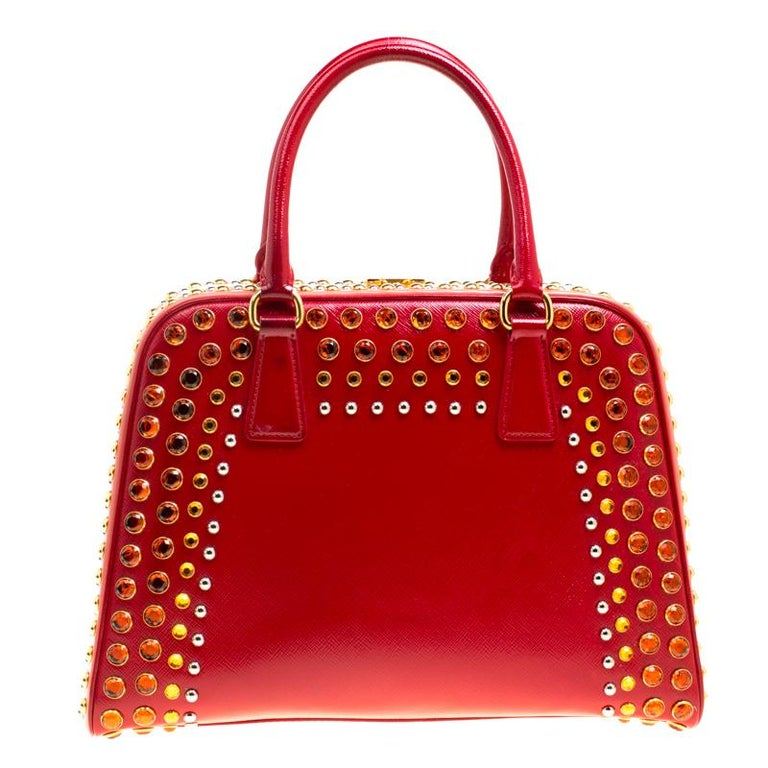 Women's Prada Blush Pink/Red Patent Leather Pyramid Frame Top Handle Bag For Sale