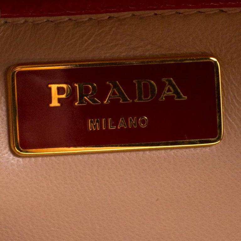 Prada Blush Pink/Red Patent Leather Pyramid Frame Top Handle Bag For Sale 3