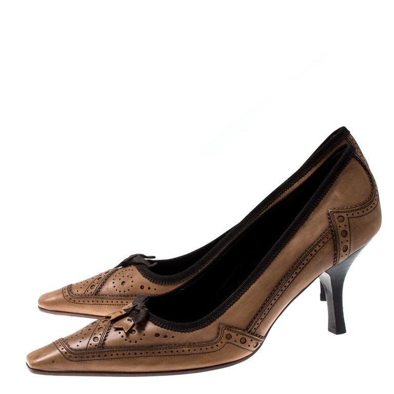 Prada Brown Brogue Leather Pointed Toe Pumps Size 38 For Sale 2