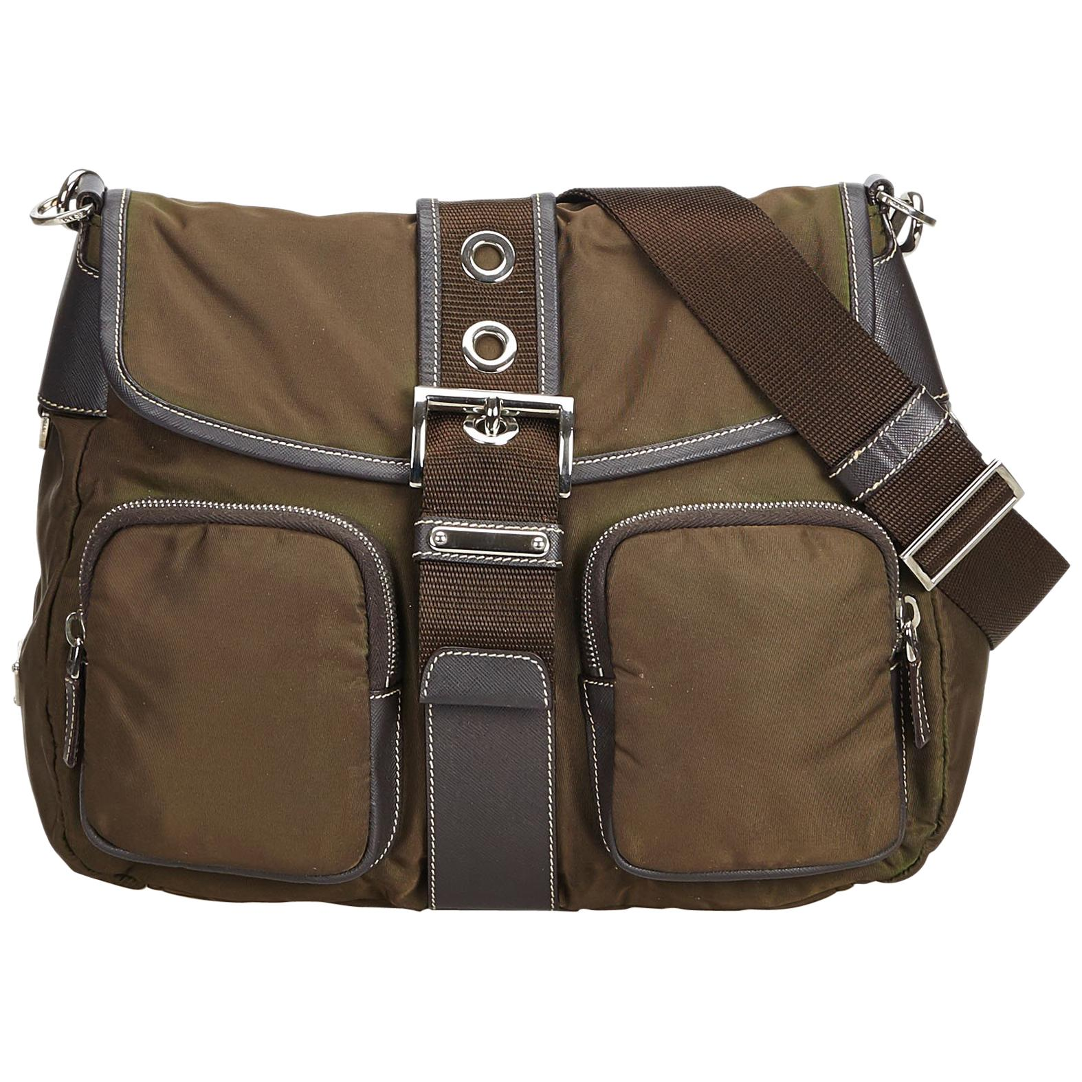 f4339f164dcb46 Vintage Prada Crossbody Bags and Messenger Bags - 127 For Sale at 1stdibs