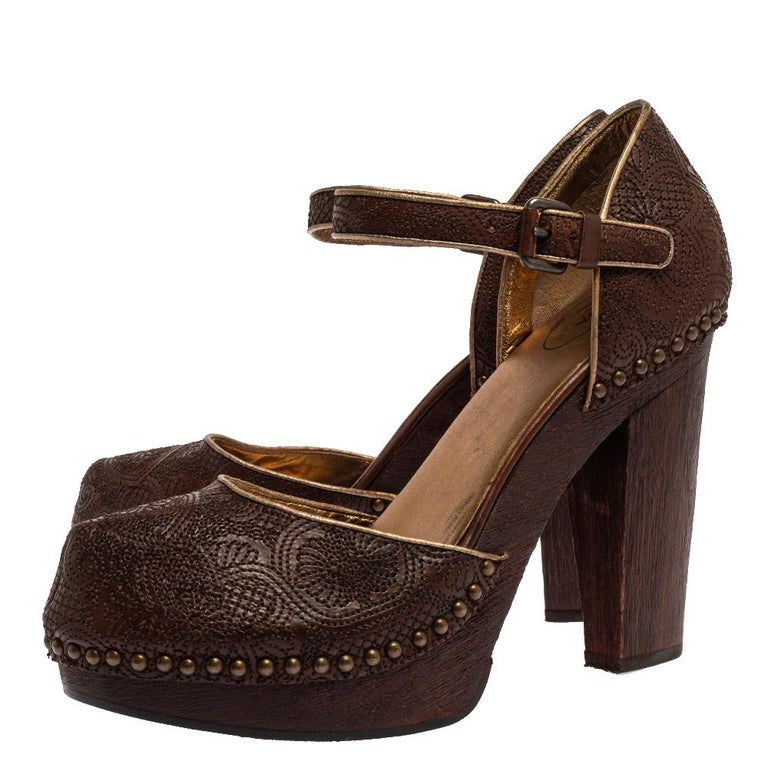 Black Prada Brown Leather Embroidered Wooden Block Heel Ankle Strap Sandals Size 40 For Sale