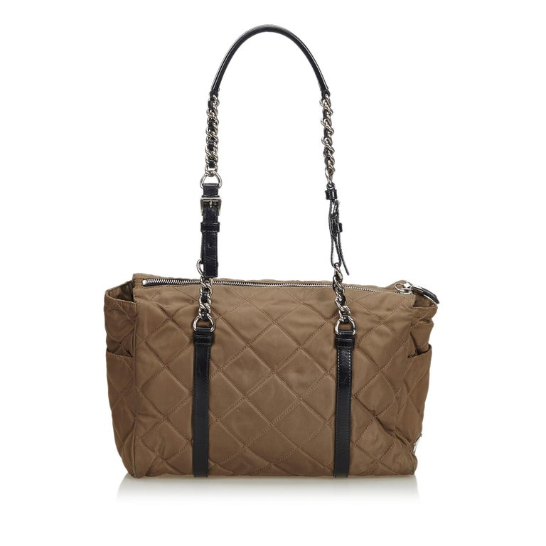 7d653b31d005 Prada Brown Quilted Tessuto Nylon Chain Shoulder Bag In Good Condition For  Sale In Orlando