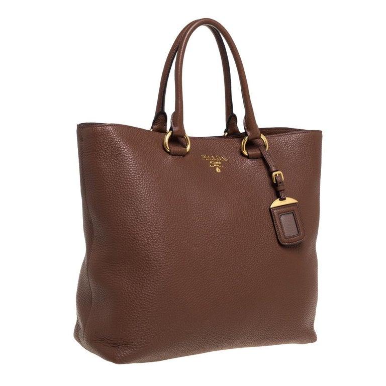 Prada Brown Vitello Daino Leather Shopper Tote In Good Condition For Sale In Dubai, Al Qouz 2