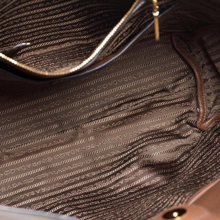 Prada Brown Vitello Daino Leather Shopper Tote For Sale 5