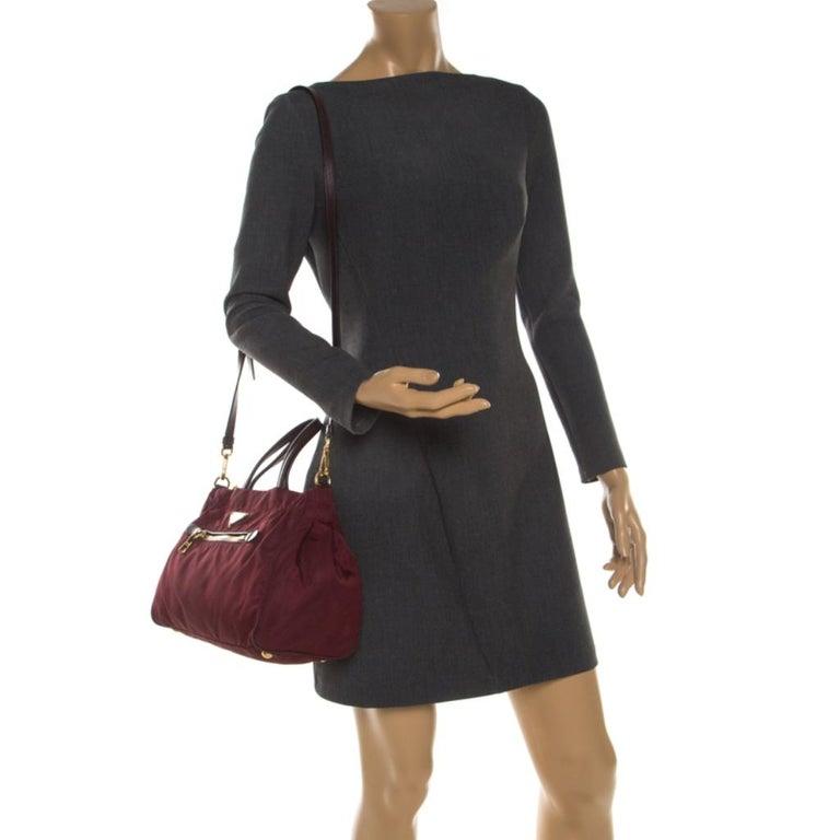 Prada Burgundy Nylon Pocket Zip Tote In Good Condition For Sale In Dubai, Al Qouz 2