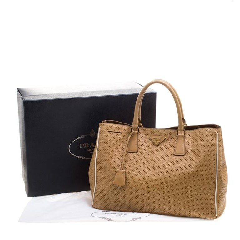 Prada Caramel Perforated Saffiano Lux Leather Large Gardener's Tote For Sale 7