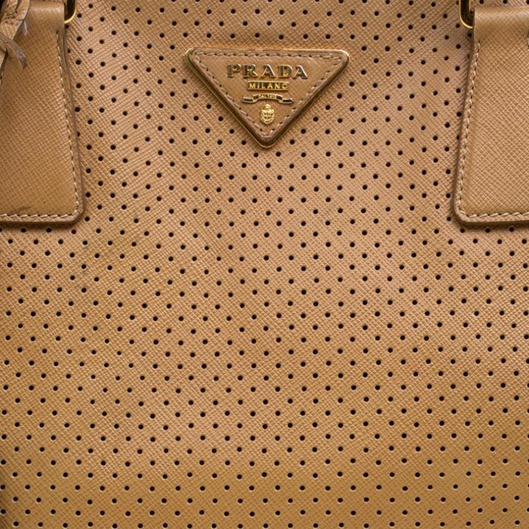 Prada Caramel Perforated Saffiano Lux Leather Large Gardener's Tote For Sale 3