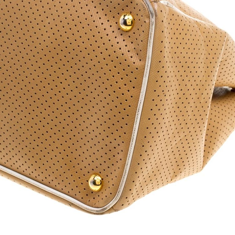 Prada Caramel Perforated Saffiano Lux Leather Large Gardener's Tote For Sale 5