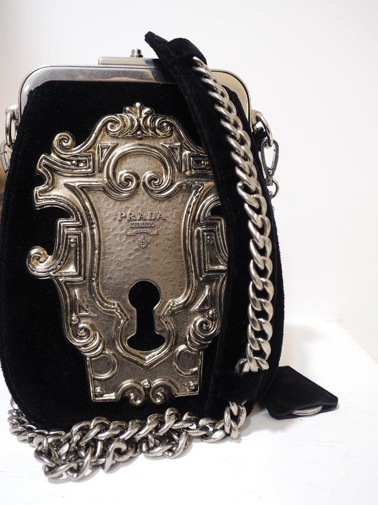 Prada Catwalk velvet lock purse NWOT In New Condition For Sale In Capri, IT