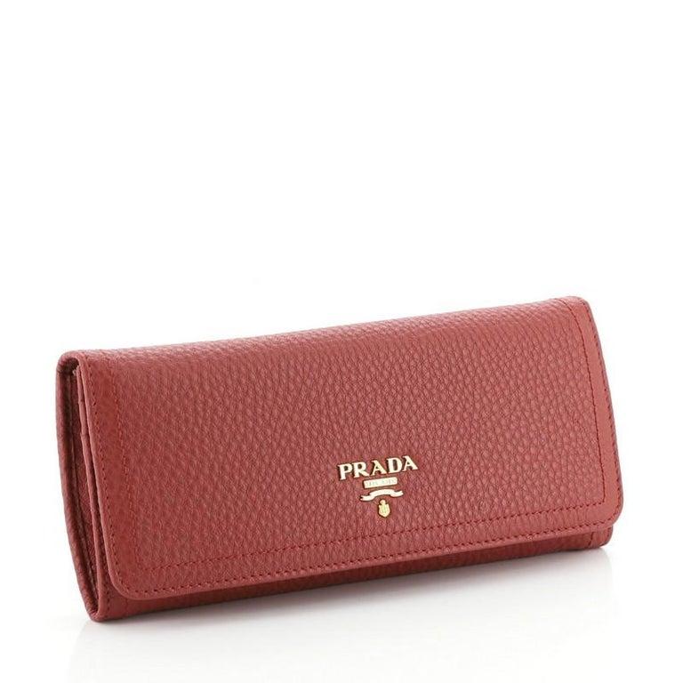 Prada Continental Wallet Vitello Daino Long In Good Condition In New York, NY