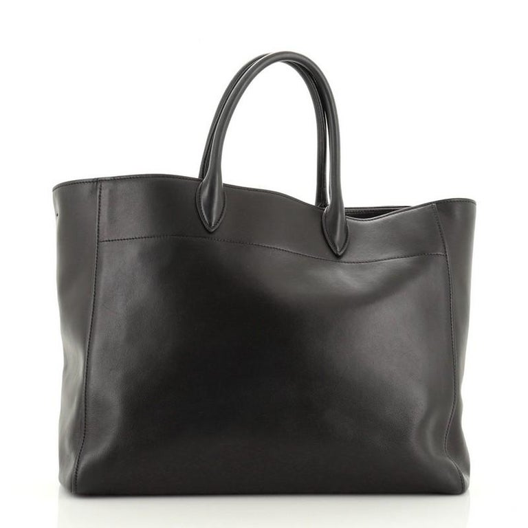 Prada  Convertible Open Tote City Calfskin Medium In Good Condition For Sale In New York, NY