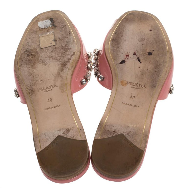 Women's Prada Coral Pink Patent Leather Crystal And Bow Embellished Flat Slides Size 40 For Sale