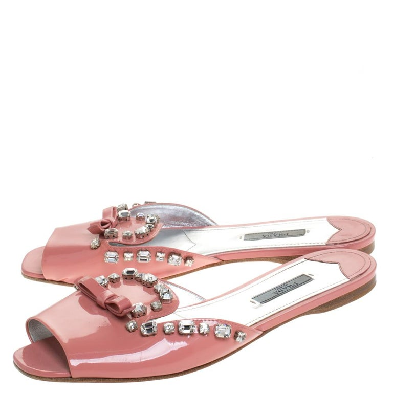 Prada Coral Pink Patent Leather Crystal And Bow Embellished Flat Slides Size 40 For Sale 2