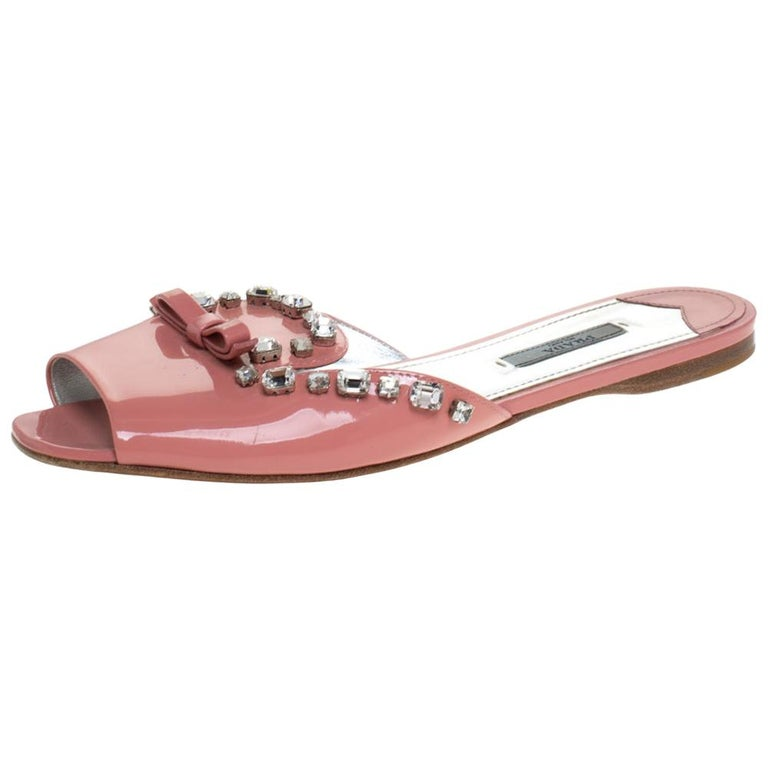 Prada Coral Pink Patent Leather Crystal And Bow Embellished Flat Slides Size 40 For Sale