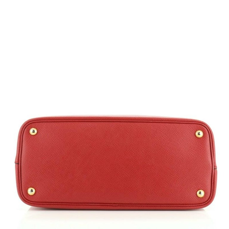 Women's or Men's Prada Cuir Double Tote Saffiano Leather Medium For Sale