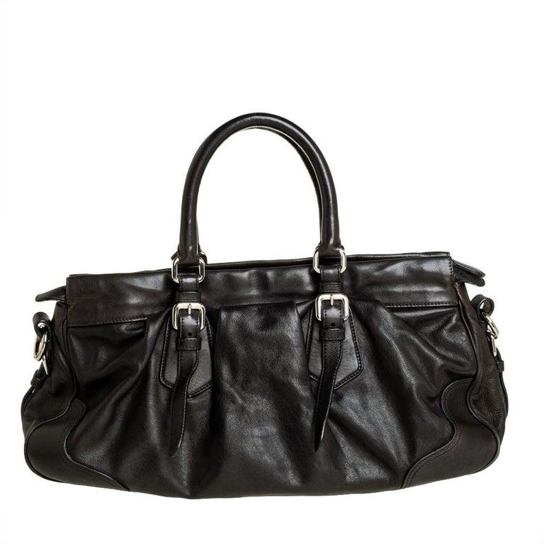 Prada Dark Brown Pleated Leather Satchel In Good Condition For Sale In Dubai, Al Qouz 2