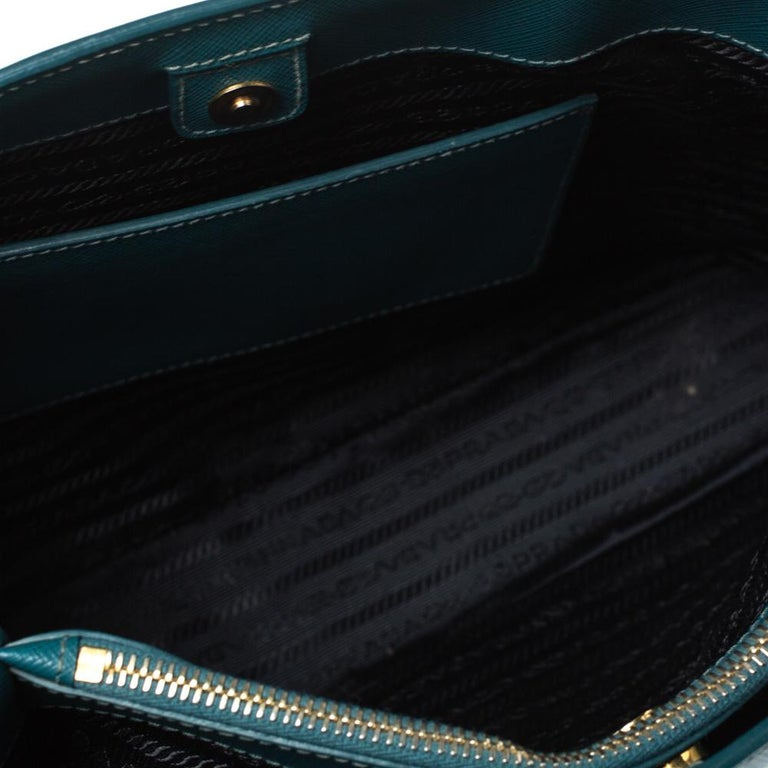 Prada Dark Green Saffiano Lux Leather Medium Galleria Tote For Sale 2