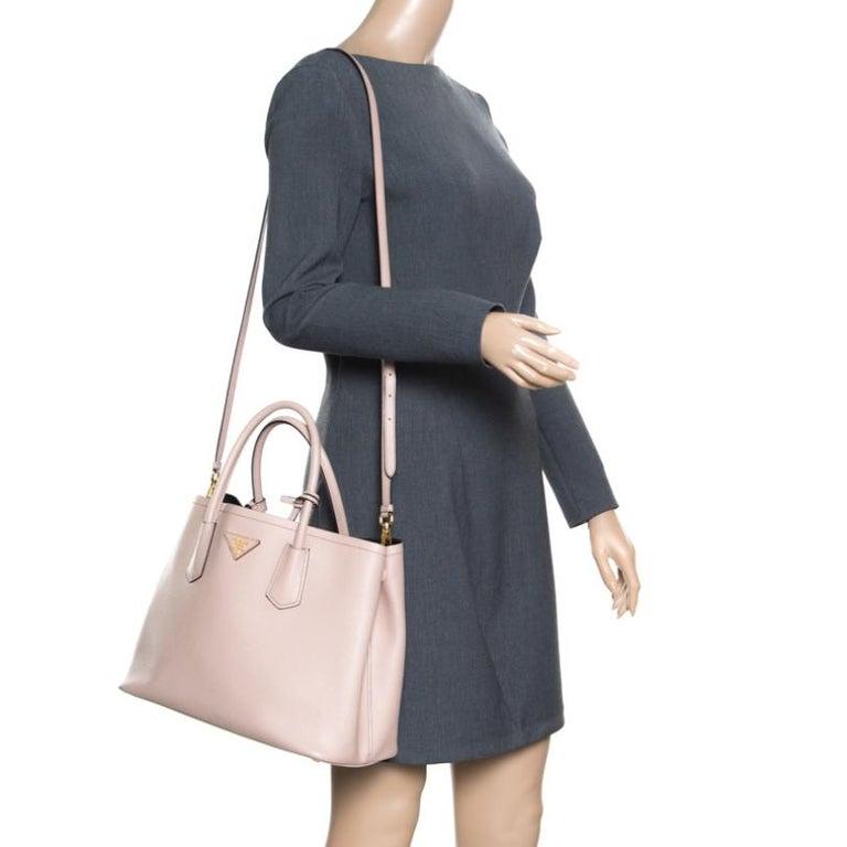 Prada Dusty Pink Leather Top Handle Bag In Excellent Condition For Sale In Dubai, Al Qouz 2