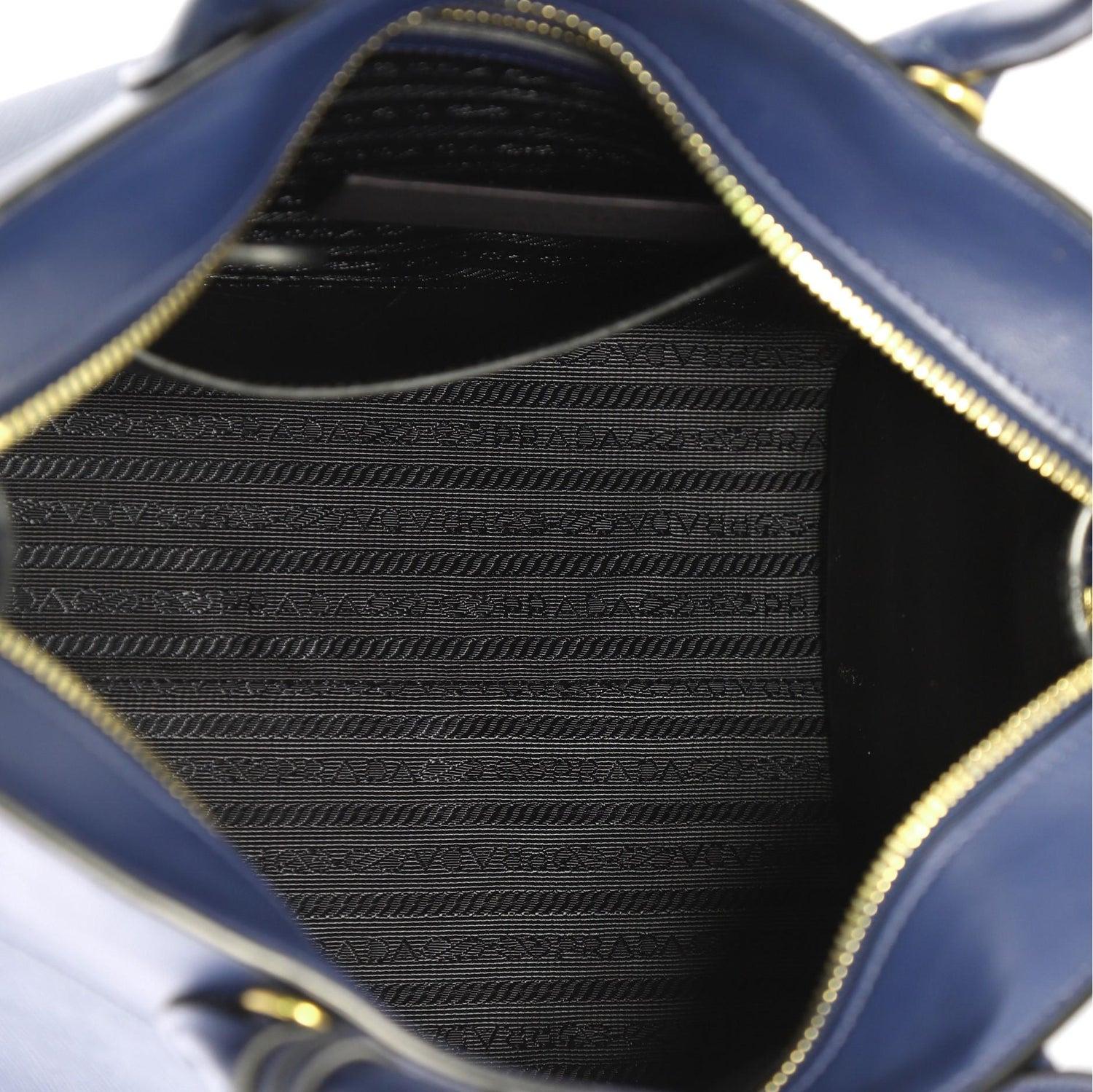 ad3767e0fba729 Prada Esplanade Handbag Saffiano Leather Medium For Sale at 1stdibs