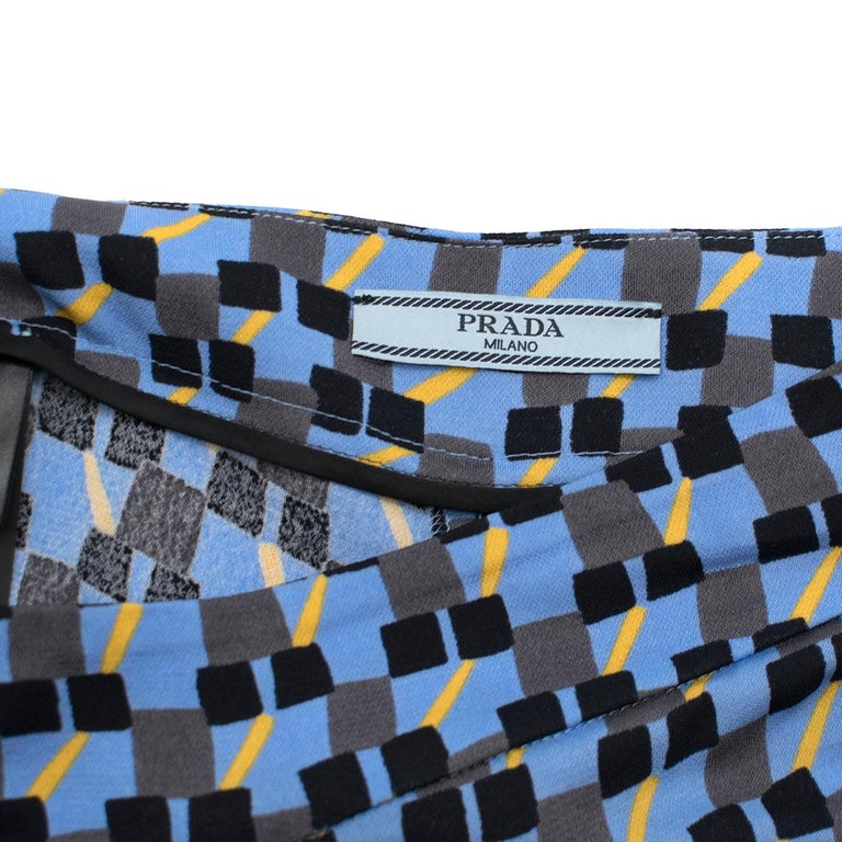 Prada Feather-Trimmed Printed Crepe De Chine Pants IT 36 In Excellent Condition In London, GB