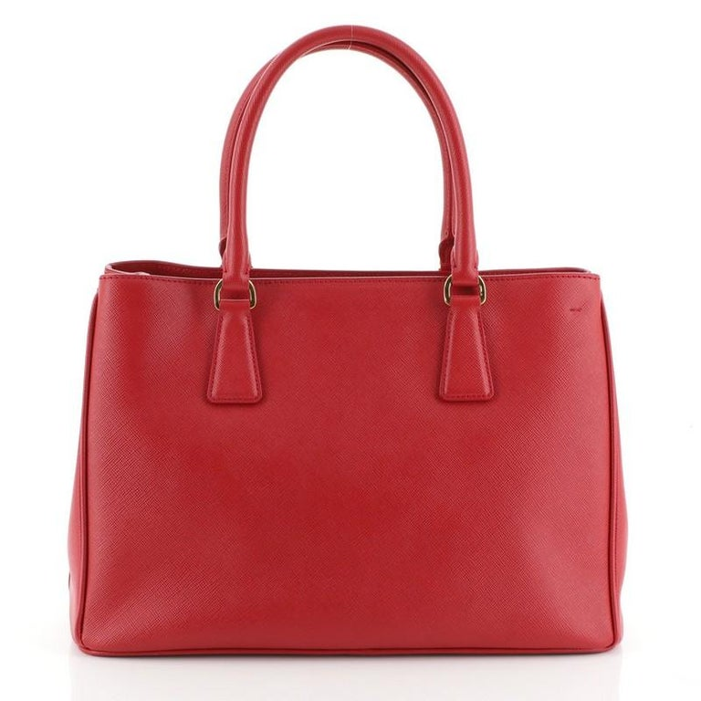 Prada Gardener's Tote Saffiano Leather Medium In Good Condition For Sale In New York, NY