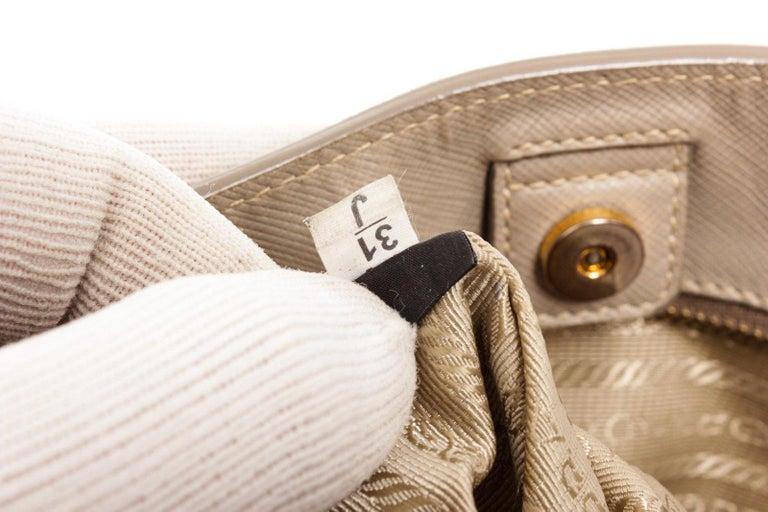 Prada Gray Saffiano Leather Tote Bag In Good Condition For Sale In Irvine, CA
