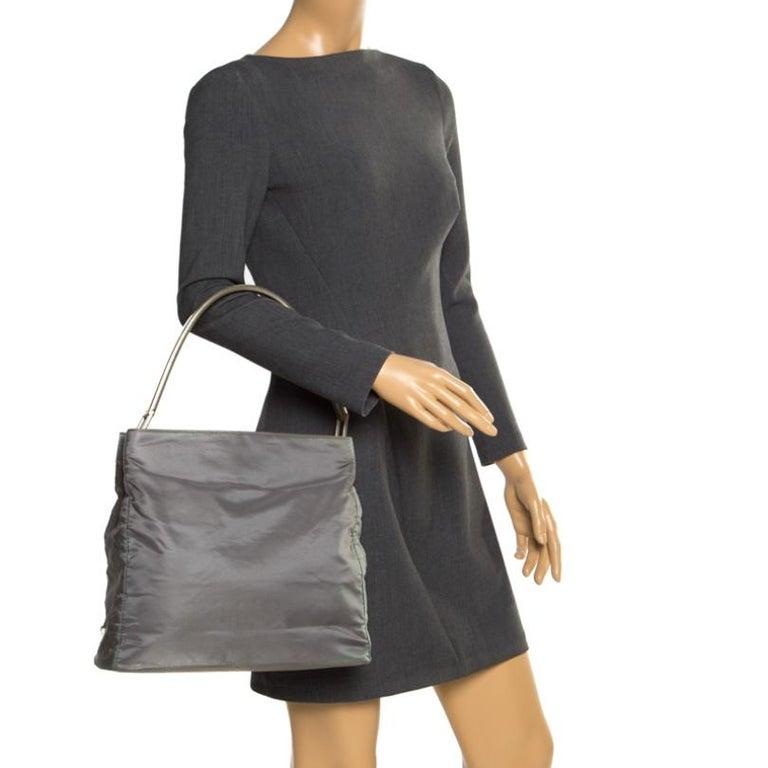 Prada Green Nylon Metal Handle Shoulder Bag In Fair Condition For Sale In Dubai, Al Qouz 2