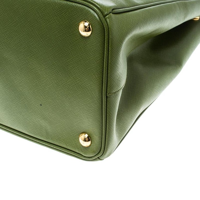 Prada Green Saffiano Lux Leather Large Double Zip Tote For Sale 6