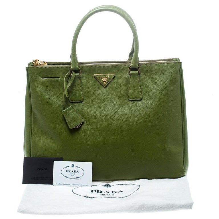Prada Green Saffiano Lux Leather Large Double Zip Tote For Sale 7