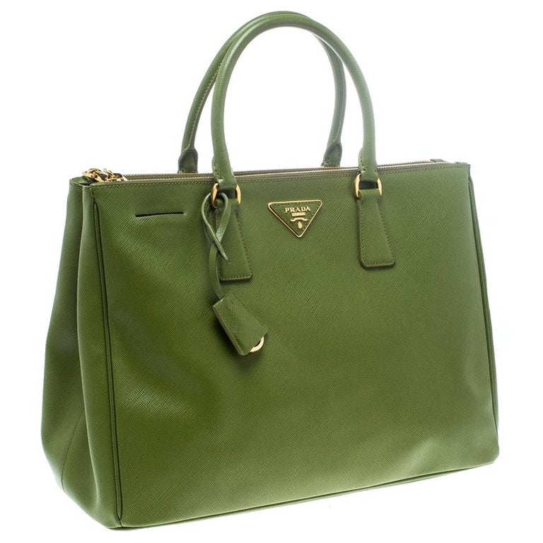 Women's Prada Green Saffiano Lux Leather Large Double Zip Tote For Sale